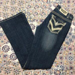 Jeans size 28x34 low raise